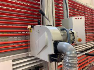 Sezionatrice verticale Makk DPME taglio pannelli mm.6000x2200 a TRE CI Ancarano (TE)